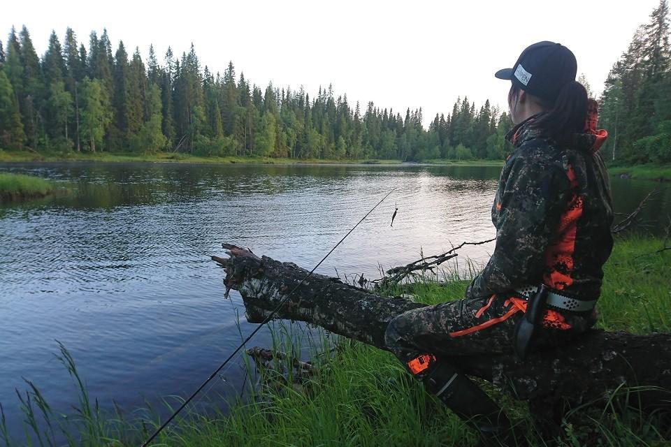 Tapaa kalastaja: Nainen pohjoisen vesiltä