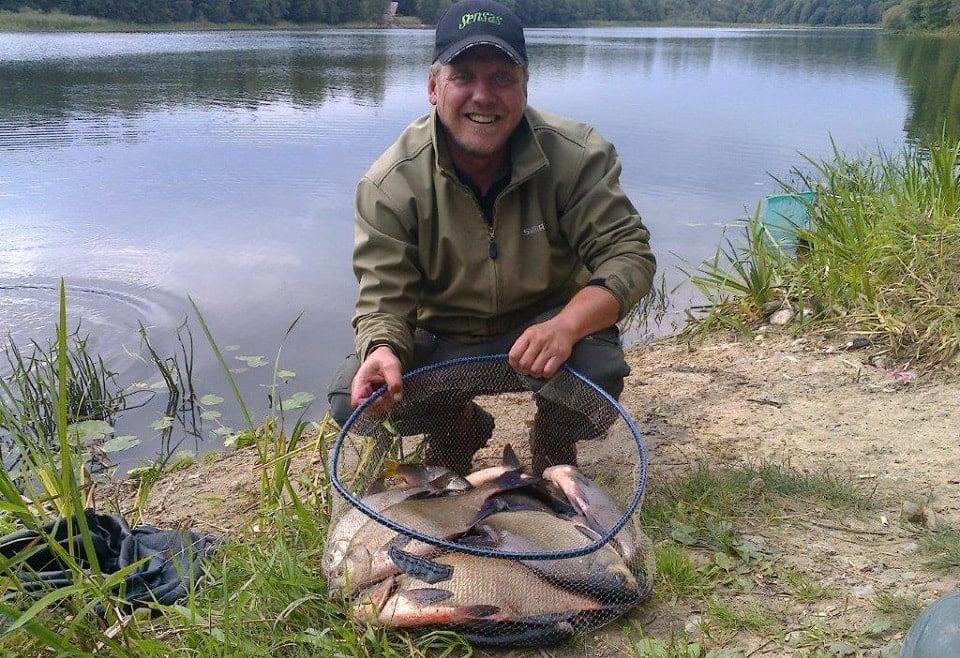Deeper echoloto nauda, žvejojant dugnine meškere