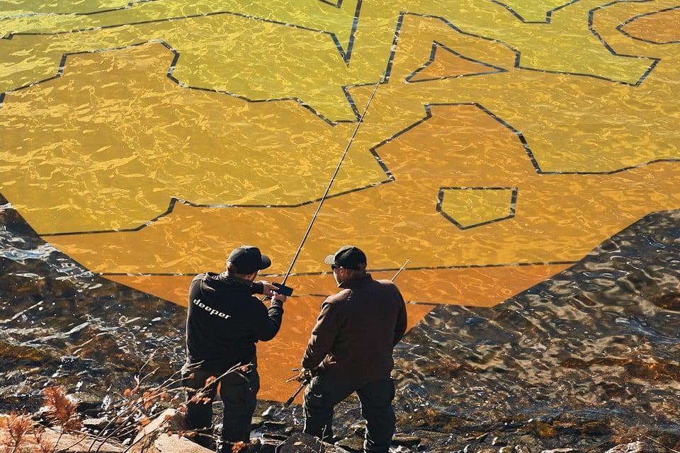 Batimetrikus vízi térképeit és minden, hangradarral összegyűjtött horgászadatát megtalálja együtt a Deeper Lakebook™ felületen
