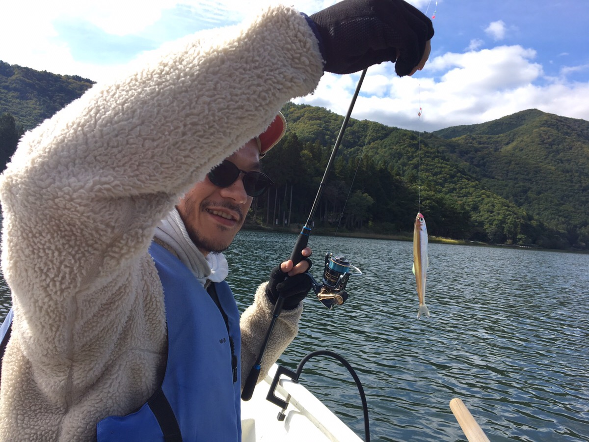 【釣れすぎ注意】万年ボウズが魚群探知機「deeper」使ったらバケツから魚があふれた話